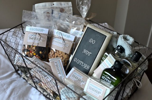 from theprojectgirl.com how nice to welcome guests with a guest basket. i just leave towels and soap on the bed. i guess i will have to step it up a bit!!