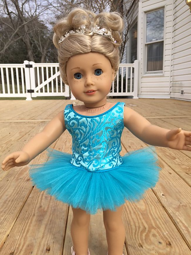 Sewbig made this stunning ballet costume for her American Girl doll using the Lee & Pearl BALLET PERFORMANCE BUNDLE for 18 Inch Dolls, which includes Patterns 1072: Corps de Ballet Fitted Bodice and Romantic Tutu and 1073: Prima Ballerina Strapless Bodice and Classical Tutu, Panty and Basque. Find these patterns in our Etsy shop at https://www.etsy.com/listing/271748202/ballet-performance-bundle-for-18-dolls