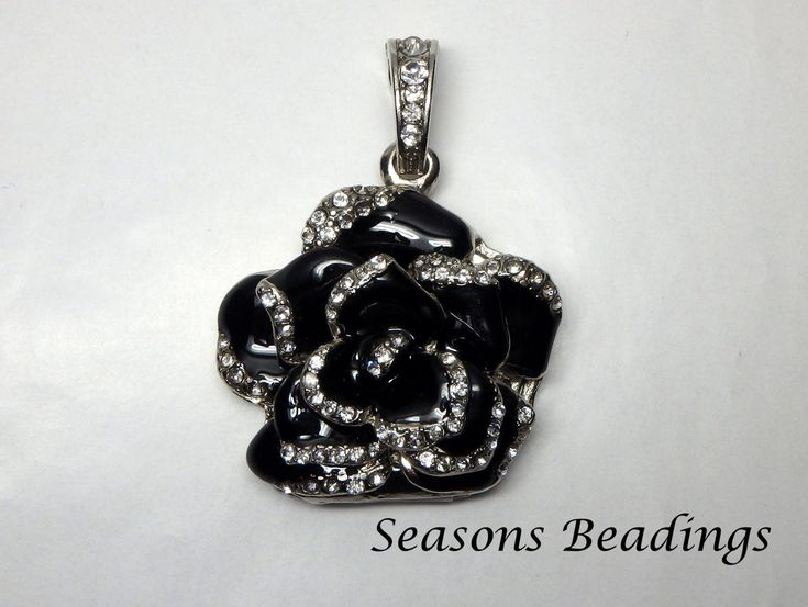 With this Crystal Black Rose you can make a beautiful #gift for #Valentines or Mother's Day and store pictures and/or video on the 8GB USB key http://etsy.me/2nk0GlG  #supplies, #jewelrymaking #freeshipping #canada #mothersday #blackrose #keepsake