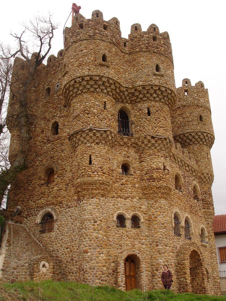 Castillo de La Cueva, Cebolleros, Burgos, Spain.