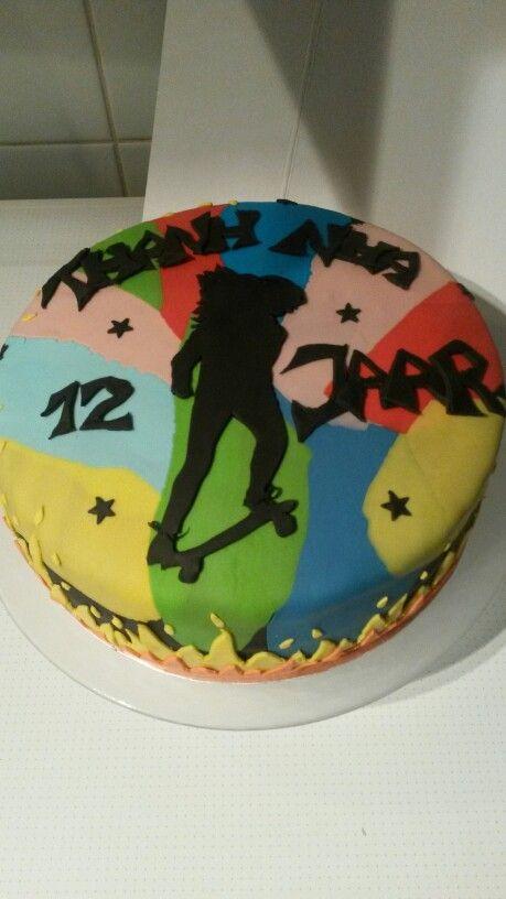 Stoere meiden skateboard taart!