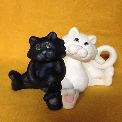 NFAC-CERAMIC-BLACK-WHITE-CATS-NFAC-NIBBLEFEST-ART-CONTEST