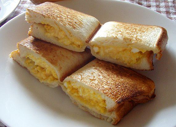 タマゴサラダホットサンド│パパッと簡単!ホットサンドレシピBAWBAW Egg sandwich