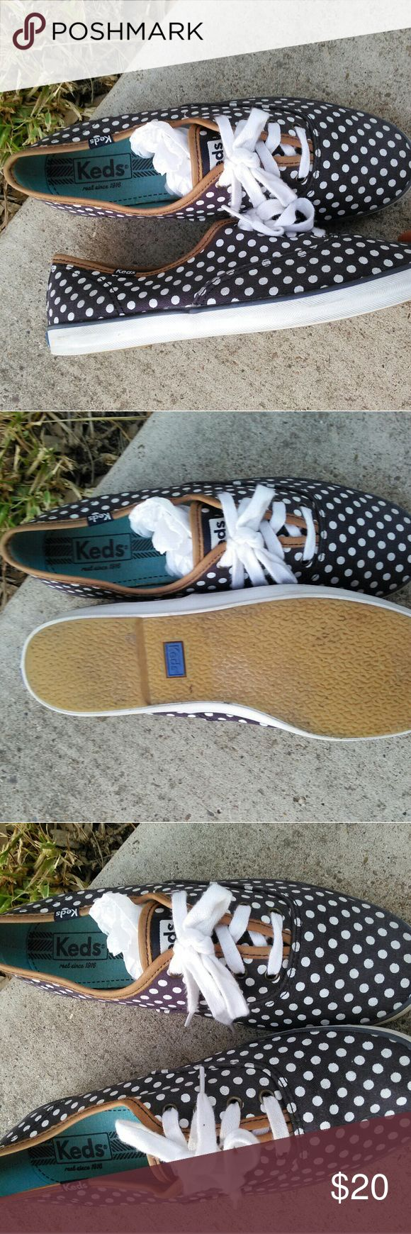 Keds tennis shoes Gently used ,but hardly used.... Adorably cute style . Color is Navy blue with white. Keds Shoes Sneakers