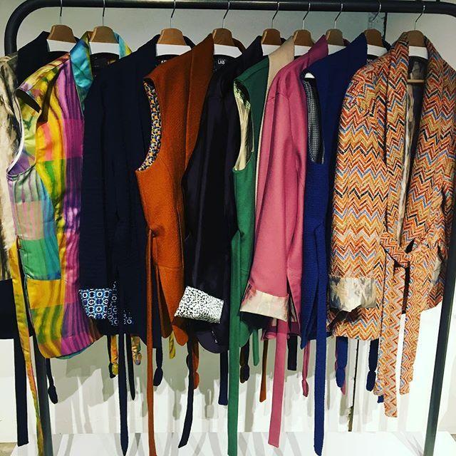 Ispirazioni #kimono per il progetto oo1 delle collezioni @kayomo_lab rifinite a mano in Umbria con l'utilizzo di stoffe vintage delle più grandi case di moda italiane mixate con fodere di preziosissima seta! -  @valentinamariaelisabetta  via ELLE ITALIA MAGAZINE OFFICIAL INSTAGRAM - Fashion Campaigns  Haute Couture  Advertising  Editorial Photography  Magazine Cover Designs  Supermodels  Runway Models
