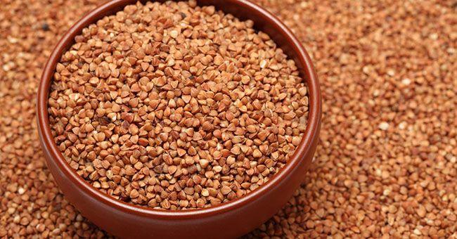 Il grano saraceno è un ottimo sostituto alimentare del riso: promuove il benessere cardiovascolare, oltre ad aiutare a prevenire diabete e calcoli biliari.