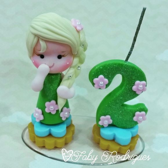 Mini topinhos com vela frozen