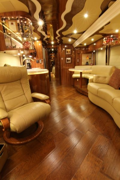 We offer a wide variety of pre-owned luxury buses and motorhomes. We welcome all types of consignments and if you're looking for a quick sale we are buyers as well. We are conveniently located in Fort Worth Texas.    We offer some of the most luxurious motor coaches ever converted on a Prevost bus chassis. Trawick Luxury Coaches is truly a professional organization. located in Fort Worth Texas. http://www.trawickluxurycoaches.com