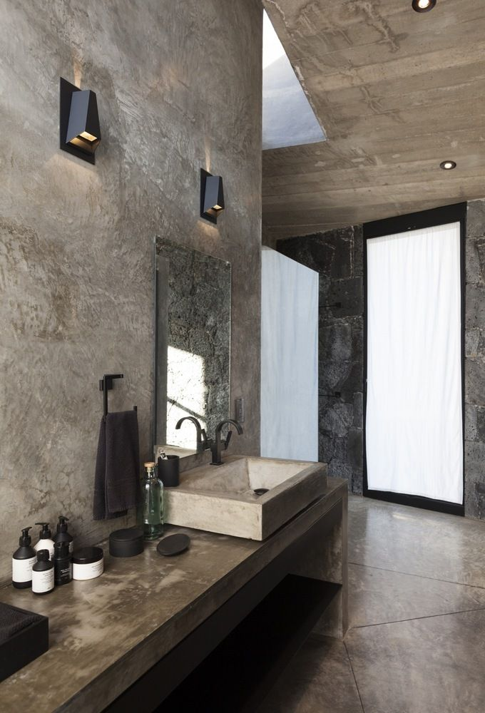 Gallery of Béton Brut Bathrooms: The Beauty of Concrete in Intimate Spaces - 13                   Gallery of Béton Brut Bathrooms: The Beauty of Concrete in Intimate Spaces - 13