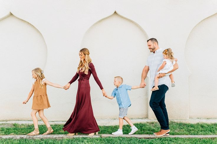Urban Lifestyle Family Session | BreAnne Weston Photography | What to Wear