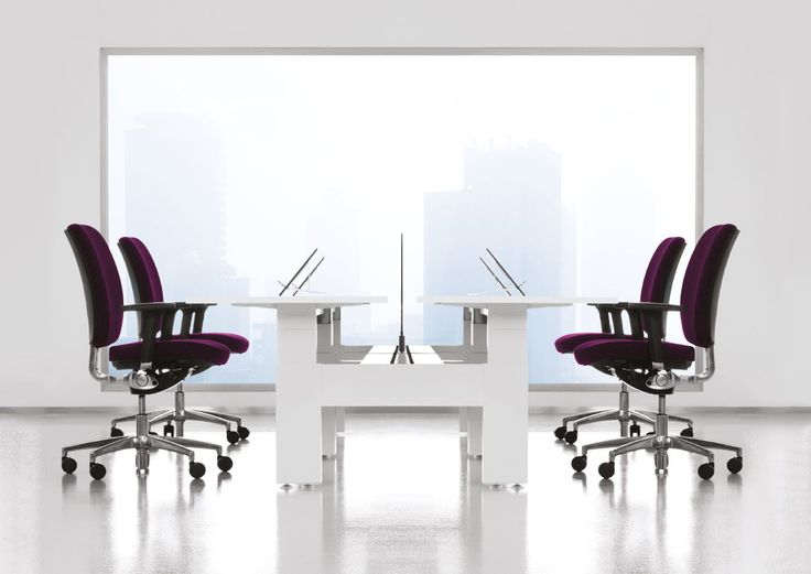 Metropolis work places feature height adjusters as a standard feature, which are operated using a thin aluminium handle. However, the range also comes with optional electrical height adjusters as well as fixed-height meeting tables. #workspace #office #work #space #furniture #work #desk #workstation #custom #variety #team #meeting #commercial #design #interiors #screens