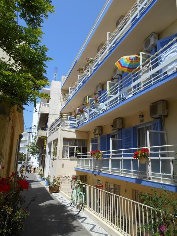 Florida Hotel || Florida Hotel is located in a quiet, flowery pedestrian street, in the centre of the city of Rhodes. The hotel enjoys easy reach to the beach and the Medieval City. WiFi is offered throughout.