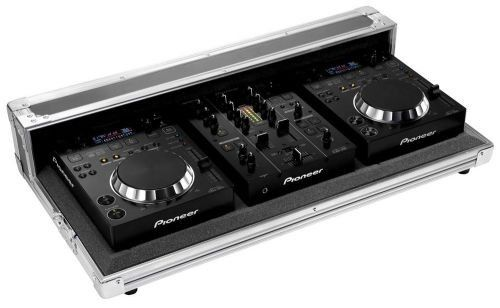 The Pioneer 350 Pack is a complete DJ set in the high grade Pioneer Pro-350FLT aluminium case. The Pioneer 350 Pack consists of two Pioneer CDJ-350 players and the DJ mixer Pioneer DJM-350. The Pioneer CDJ-350 Players of the Pioneer 350 Pack are compatible with various music file formats, such as MP3, WAV and AIFF. These formats can be played by the Pioneer CDJ-350 from regular audio CDs, USB or CD-R-Discs. The BEAT Display feature of the Pioneer CDJ-350 the beat position of the songs as…