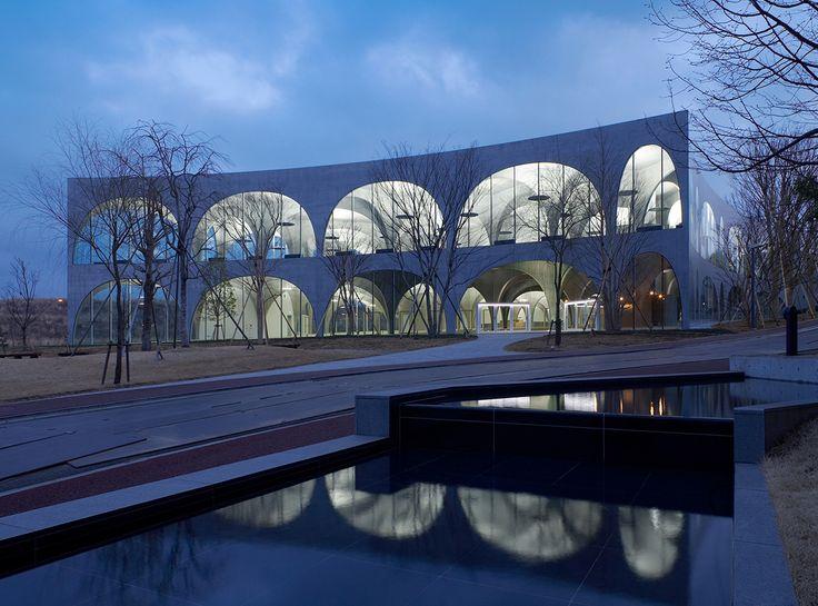 ARCHITIME.RU - Библиотека университета искусств Тама в Токио от Тойо Ито