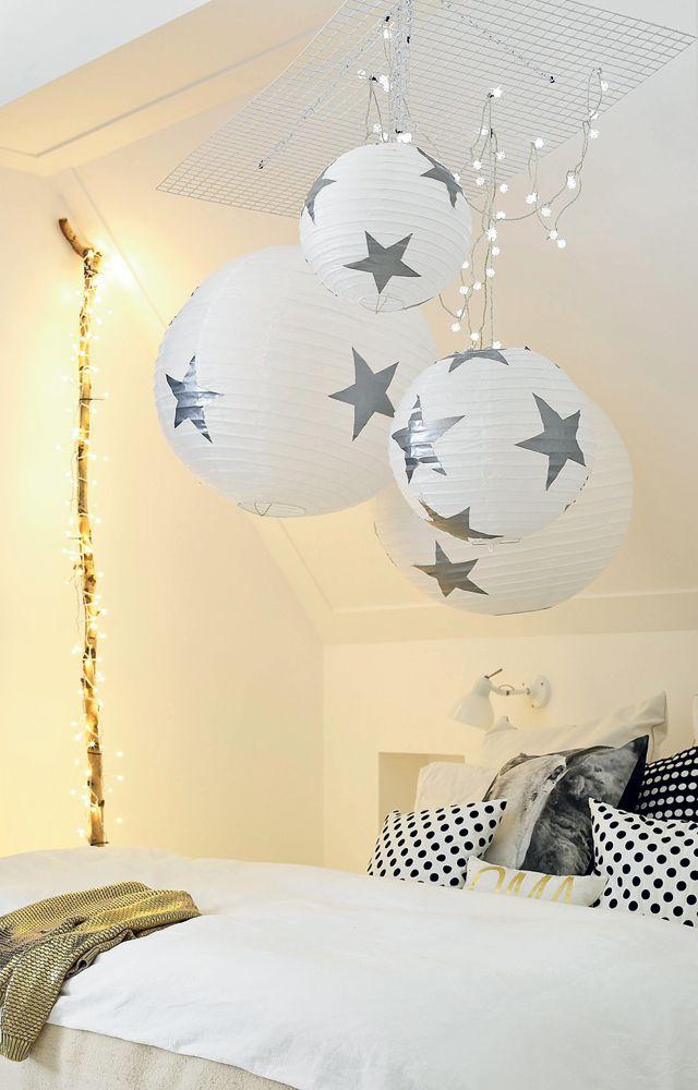 Rijstpapieren bollen met sterren - Ricepaper balls with stars Kijk op www.101woonideeen.nl #tutorial #howto #diy #101woonideeen #rijstpapier #ricepaper #stars #sterren