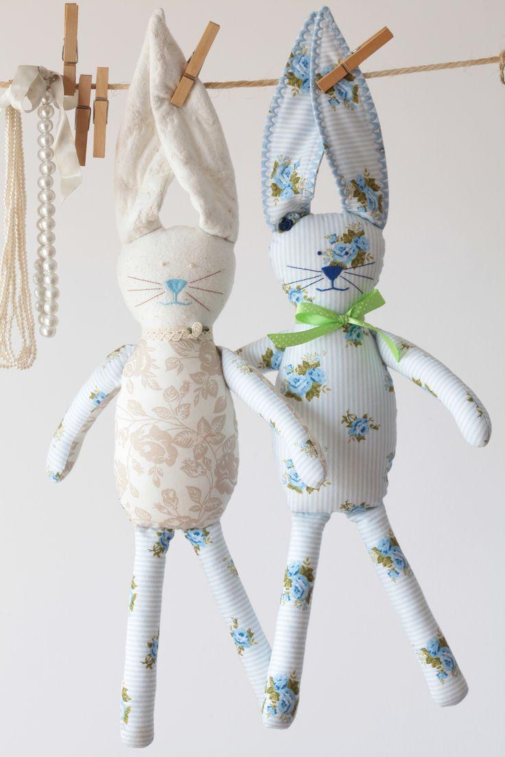 ...wesoła para króliczków...pluszaki,przytulanki,szmacianki...rękodzieło...bunny...