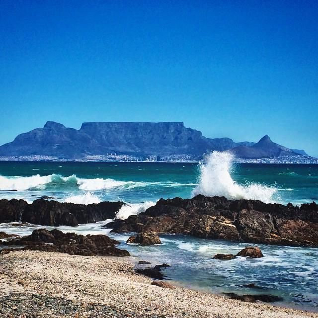 #FlashbackFriday to summer days and gorgeous views of #TableMountain . Thanks @sarahleighwatson