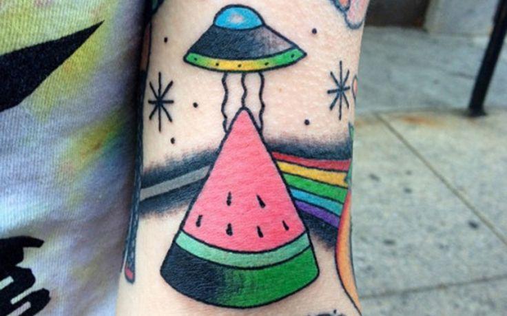 El verano está cada vez más cerca y nosotros te traemos unos tatuajes de sandía - http://www.tatuantes.com/tatuajes-de-sandia/