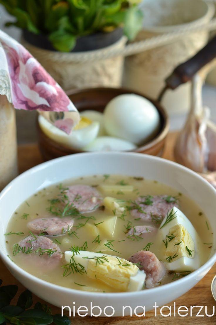 Zdecydowanie zbyt rzadko ją robimy, dobra jak nie wiem, łagodnie kwaśna, nieco podobna do żurku, choć delikatniejsza zupa. Gotuję wywar z wa...
