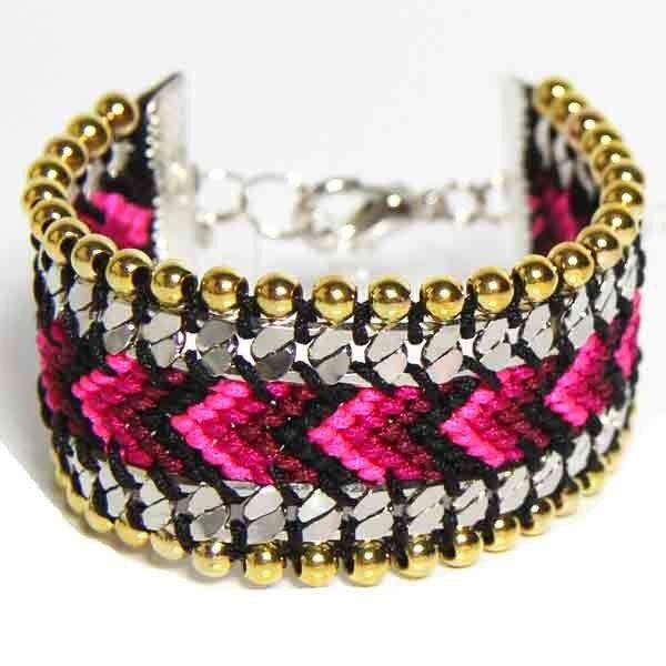 Full Art Bracelet Bresilien avec perles dore Brazil rose rouge et noir face