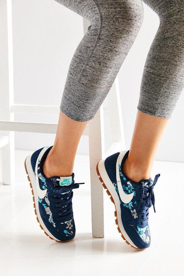 Nike Air Pegasus 83 Print Sneaker
