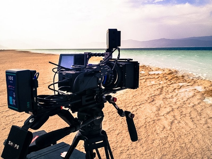 @Sony Professional #fs100 & SHAPE V-LOCK QUICK RELEASE BASE PLATE on the beach !  picture credit : EMC TV     #sony #camerasupport #handlheld #shouldermount #rig #gear #cinema #camera #35mm #nexfs100