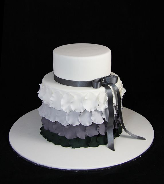 184 Best Cake Cupcakes Black White Images On Pinterest Cakes Biscuits And Beautiful Cakes