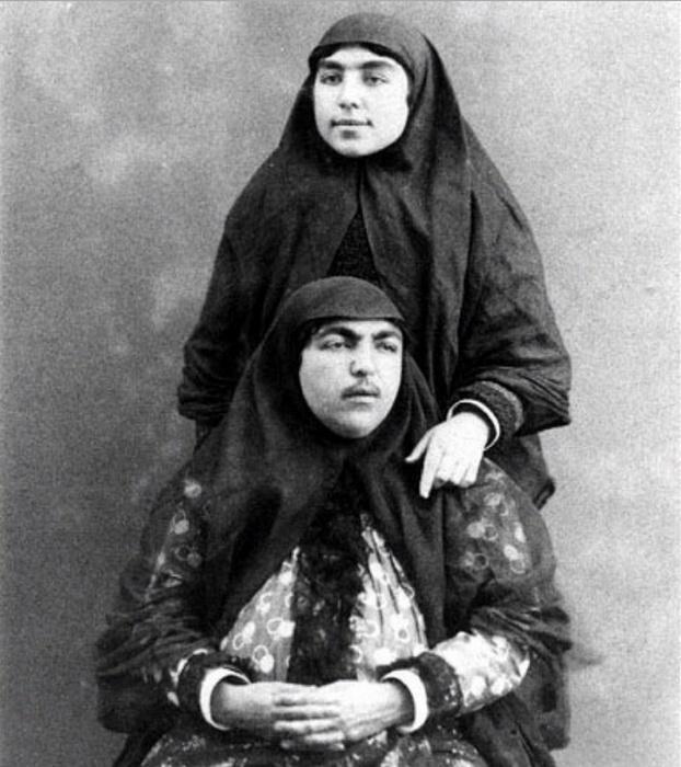 Esta es la historia de la princesa Qajair y sus 145 pretendientes.