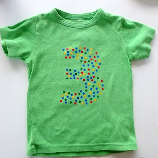 T-shirt versieren voor verjaardag met restjes flockfolie
