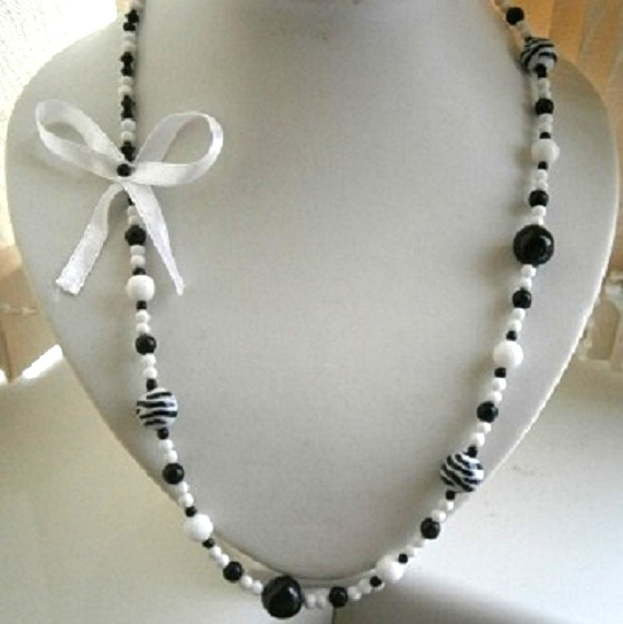 """36"""" LONG BLACK AND WHITE BEADED NECKLACE £ 8.50 - Creative Connections"""