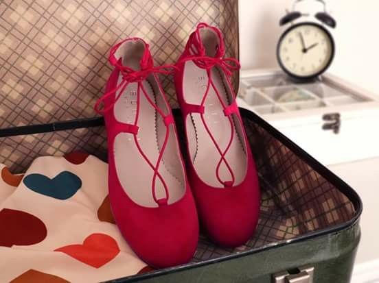 Designed and made with ethics, this is what Scotti's style is all about. In the wardrobe of every woman a pair of red shoes should never be missing! Nivi are the solution: soft, comfortable and light. Handcrafted in Italy and 100% cruelty free. #veganshoes #madeinitaly #ethicalfashion #handcrafted #vegan #crueltyfree #shoes #redshoes #veganballerine #ballerine #veganforlove #veganforlife #veganshoes