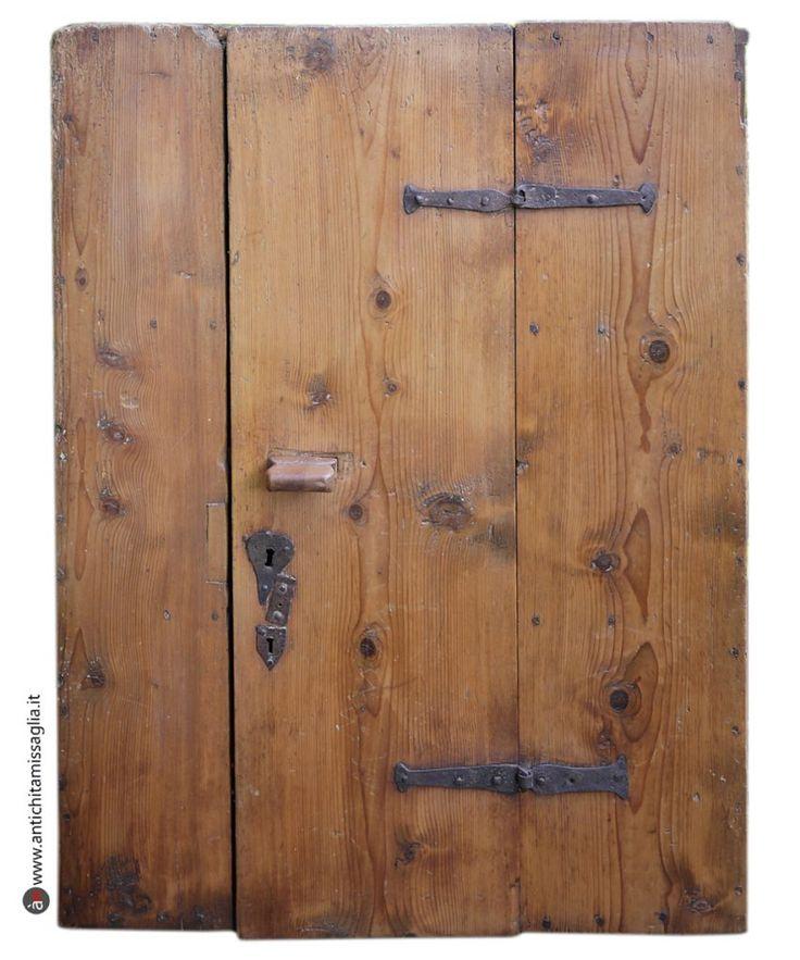 Antica credenza rustica in abete