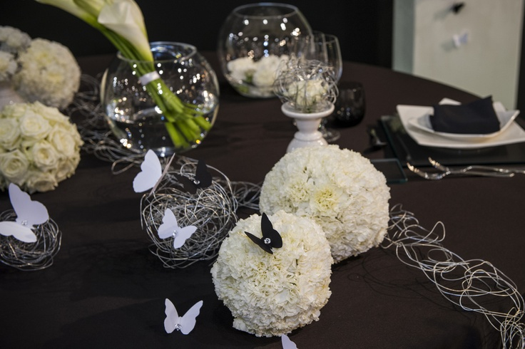 The ethanol based fireplaces can make a great backdrop for a #wedding ceremony. We've looked at what's most popular this year, bringing you the latest wedding #decor trends. #whitesposa