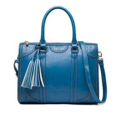 wonderful bag http://www.jollychic.com/p/newly-elegant-square-shape-tassel-hollow-long-strap-shoulder-bag-g8695.html?a_aid=mariemvs