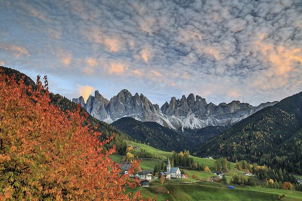 Villnoess (Val di Funes) is a beautiful place to visit in every seasons but I think once in your life you must admired this valley in its autumn dress. I know Alps better than my pockets but I can say that this scenery is perhaps the one that leaves more breathtaking emotions than any other places I've been lucky enough to admire in these years of immense passion for photography and mountain. Equipment: Canon EOS 5D Mark III with Canon 16-35mm