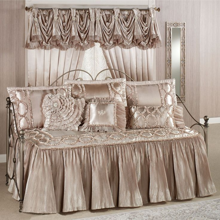 marquis champagne blush ruffled flounce daybed set