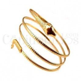 Nuestro rockero brazalete Serpiente en color dorado es el accesorio adecuado para poner el toque exótico a tu look. Adorna tu brazo con este animal, ¡serías la envidia de la misma Cleopatra! También lo tenemos en plateado.