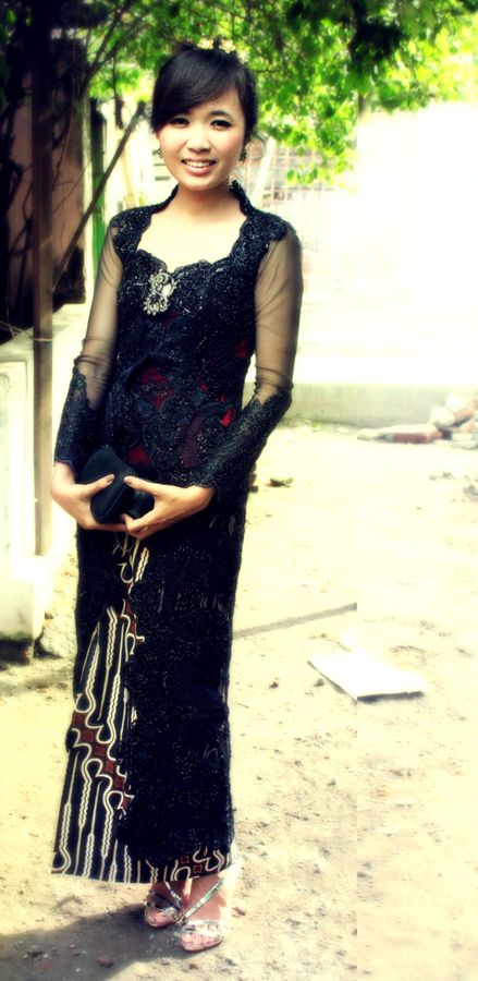 me and my black kebaya by aalreetmornin.deviantart.com on @DeviantArt