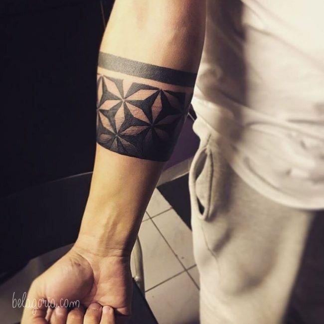 50 Tatuajes De Brazaletes Estilos Y Significado En 2020 Tatuaje