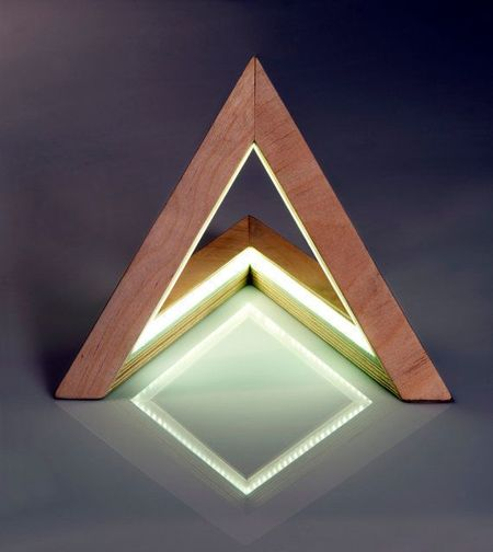 decorar con formas geomtricas decorar con tringulos mediante accesorios originales como una lmpara en