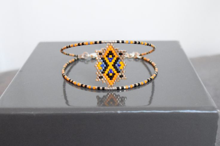 Bracelet tissé main en perles Miyuki delicas, et métal argenté : Bracelet par camoucheka