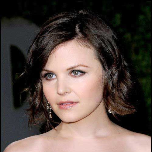 Top 25 Celebrity Short Haircuts   http://www.short-haircut.com/top-25-celebrity-short-haircuts.html