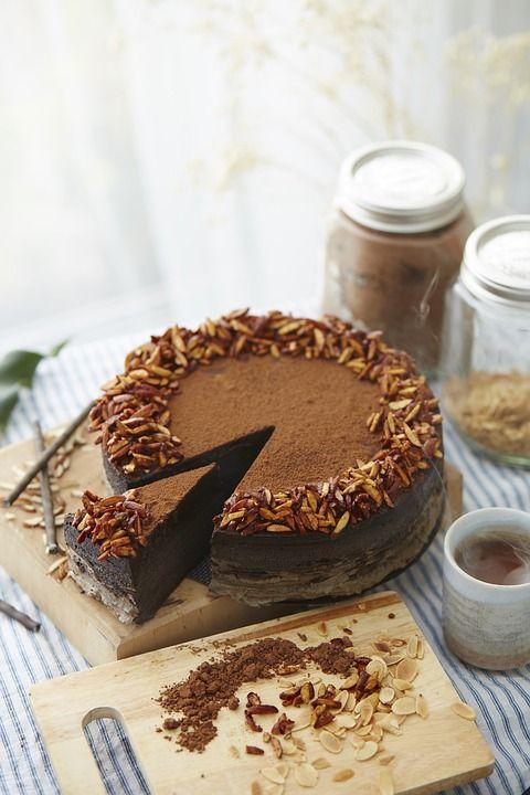 Este fabulos și nu se face deloc greu, așa că trebuie să încerci acest tort de ciocolată cu cremă de branză și ciocolată, gen Nutella.