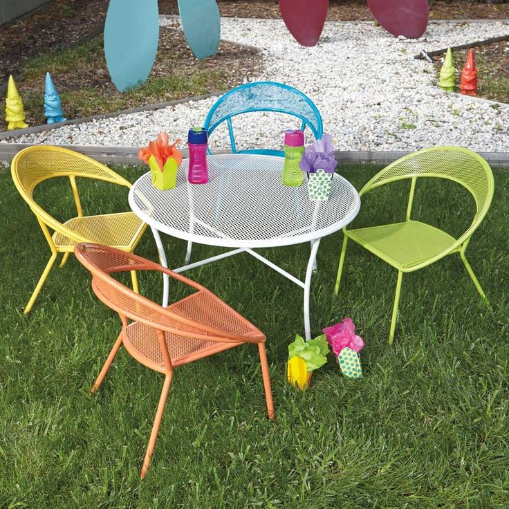 Awesome Pictured Here Is The Kids Outdoor Dining Set With 1 Round Table And 4  Colorful Chairs