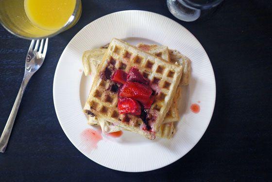 Strawberry Coconut WafflesHungry Mama, Waffles Recipe, Fingers Food, Waffle Recipes, Mama Fingers, Food Chefs, Finger Foods, Food Vegan, Breakfast Food