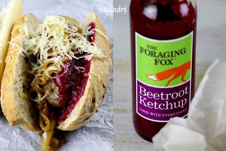 Hot dog s kečupem z červené řepy