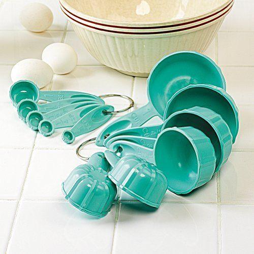 Smithsonian Bundt® Measuring Cups and Spoons by Smithsonian, http://www.amazon.com/dp/B00AFXZTEY/ref=cm_sw_r_pi_dp_aCsFrb1FKMY32