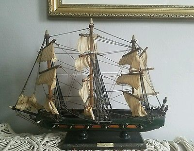 "Spanish Wooden Frigate Ship - Fragata Espanola siglo xvi.   19.5"" × 15"""