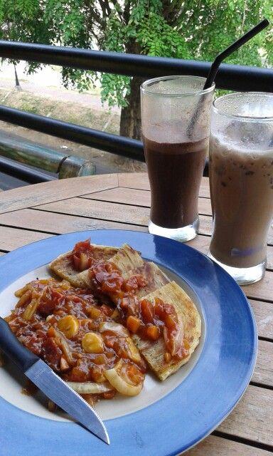 Roti maryam at ky-kopi