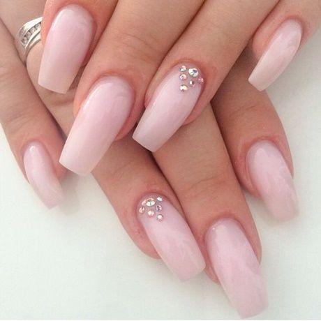 Gelnägel weiß rosa – Fingernägel